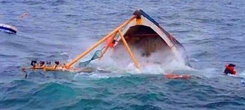 Kapal Jabal Nur Tenggelam Setelah Tabrak Karang